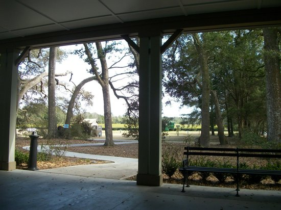 Charleston Tea Plantation: Relaxing on the porch