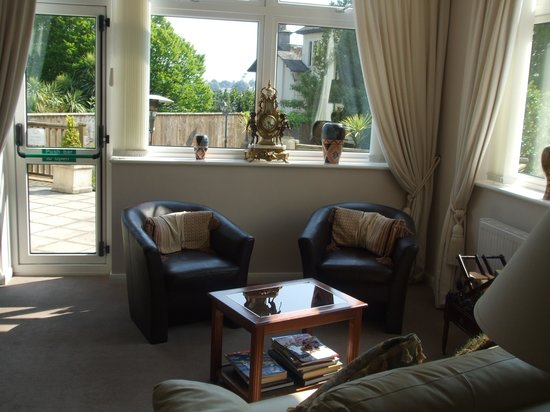 The Southbourne Villa: The lounge