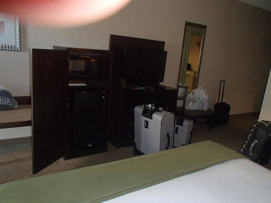 Holiday Inn Express Hotel & Suites Galveston West - Seawall: Another view of the room.
