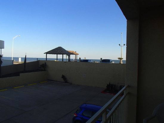 Holiday Inn Express Hotel & Suites Galveston West - Seawall: View from our balcony, 1st floor
