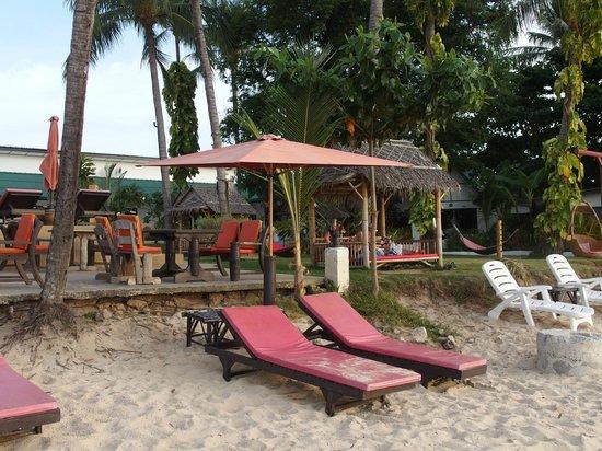 Samui Pier Resort: Beach area