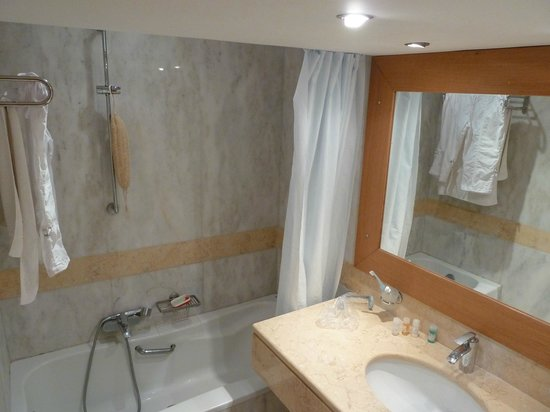 Kanapitsa Mare Hotel & Spa: Ванная комната