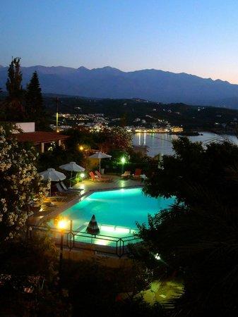 Hotel Emerald: Evening View