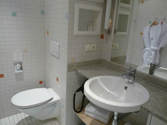 centrovital Hotel Berlin: Bad