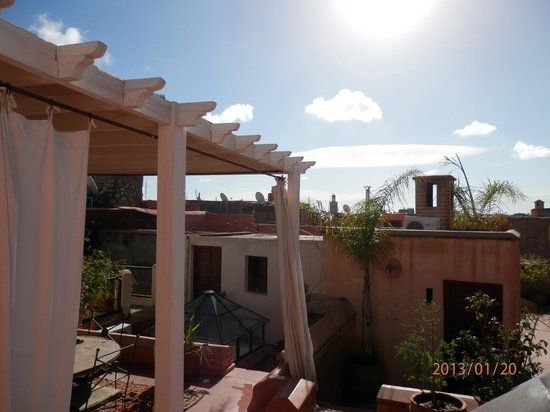 Dar Zelda : la terrasse couverte bien utile même en hiver