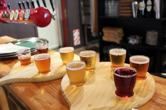 Dodson Street Beer Garden: Ales and plum-red cider - delicious