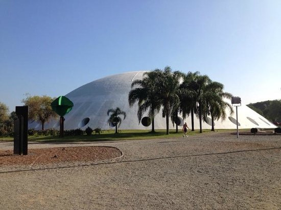 Parque do Ibirapuera: Oca Building by Niemeyer