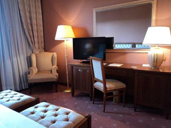 Borgo Palace Hotel: bedroom