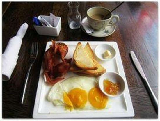 Suite Home Boutique Hotel: Free breakfast