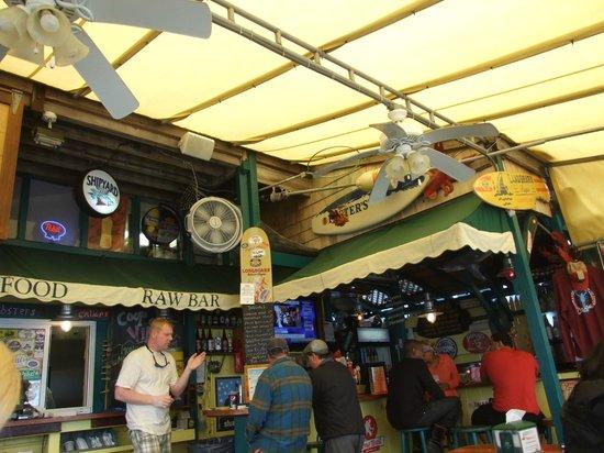 Coop de Ville Restaurant: Coop de Ville Bar