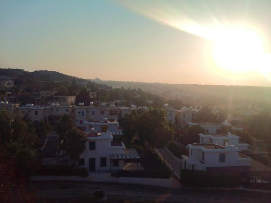 Melini Apartments: Sunset from the church on hill