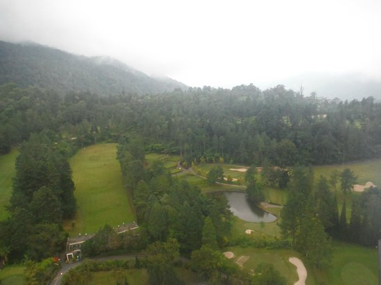 Awana Hotel: Golf Course