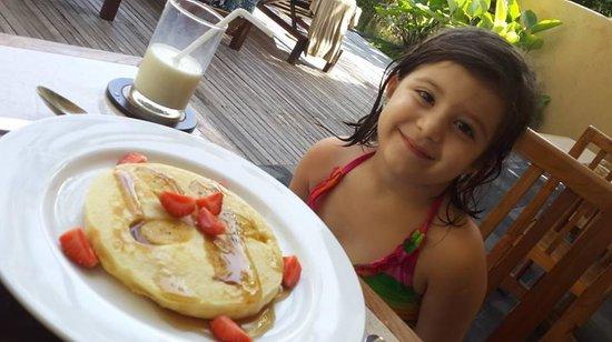 Komaneka at Rasa Sayang: favorite banana pancake