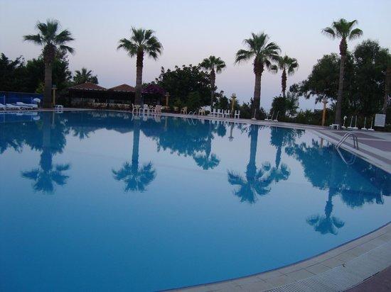 Justiniano Club Alanya: бассейн