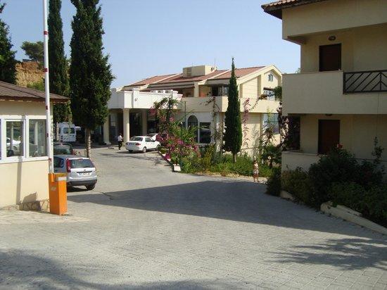Justiniano Club Alanya: пред отелем