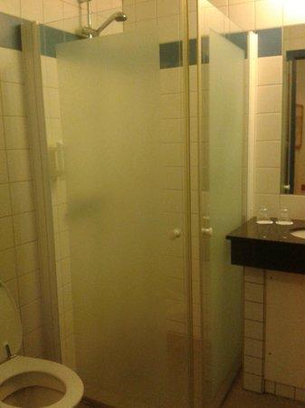 Scandic Kolding: Very simple bathroom