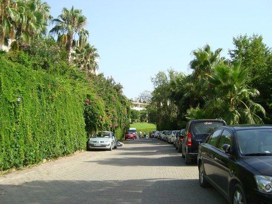 Justiniano Club Alanya: рядом с отелем