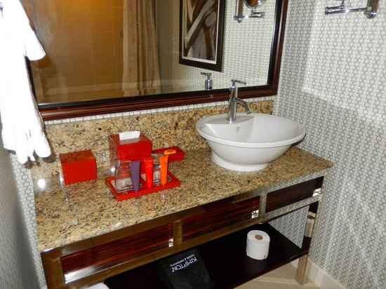 Hotel Palomar Los Angeles - Beverly Hills - a Kimpton Hotel: Great amenities