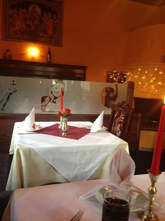 Restaurant Bollywood Tandoori :  مرررره روعه