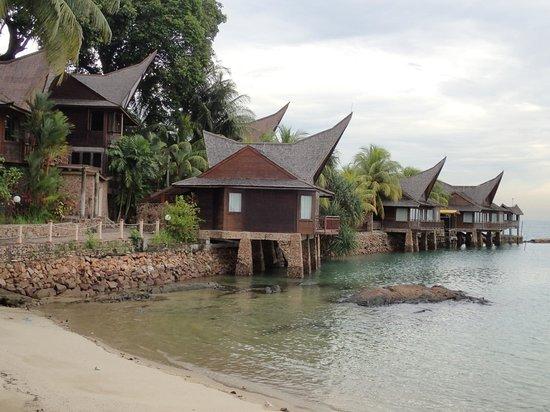 Batam View Beach Resort: Villa with sea facing view