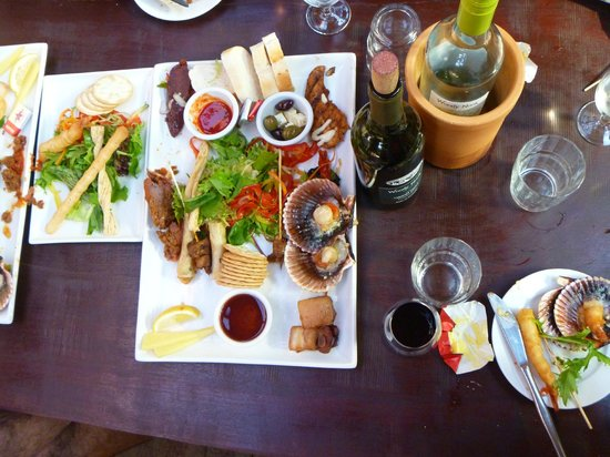 Saturation Surfaris - Margaret River Adventures: Lunch with Wine for Dudes (no dietary restrictions)