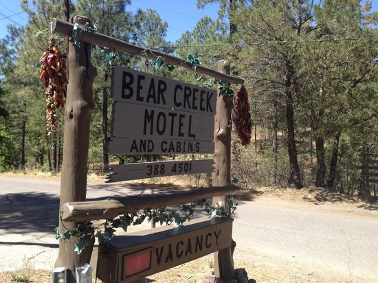 Bear Creek Motel and Cabins: Welcome to Bear Creek Cabins