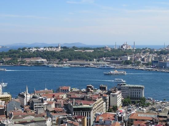 Georges Hotel Galata: Blick auf die Altstadt von der Dachterrasse