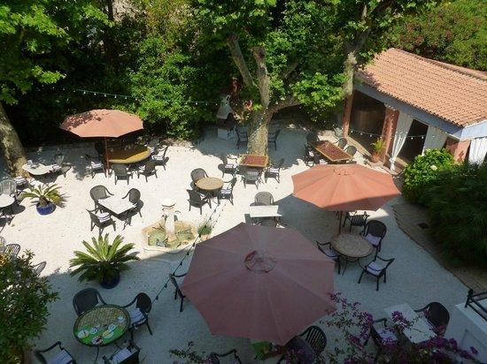Hotel Villa Provencale: la terrasse pour petit déjeuner et diner