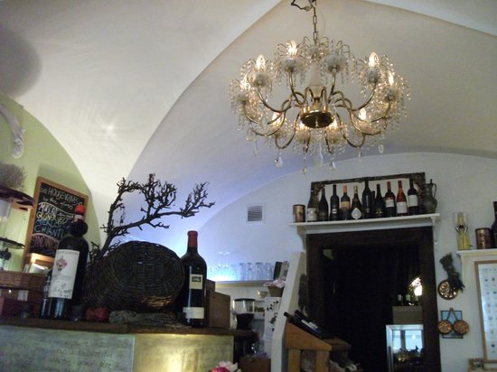 Bon Bon Cafe: Inside the cafe