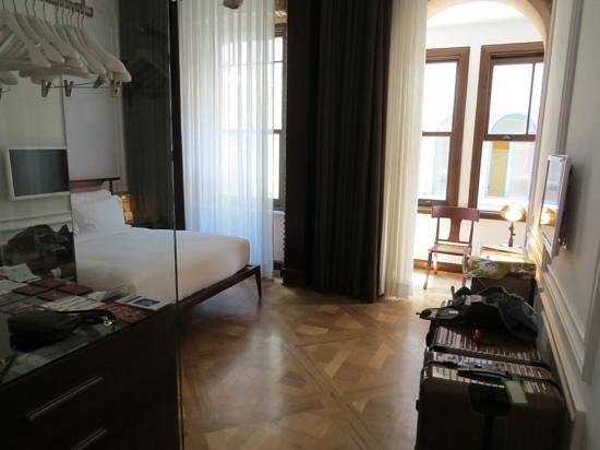Georges Hotel Galata: standard Zimmer - vollkommen ausreichend