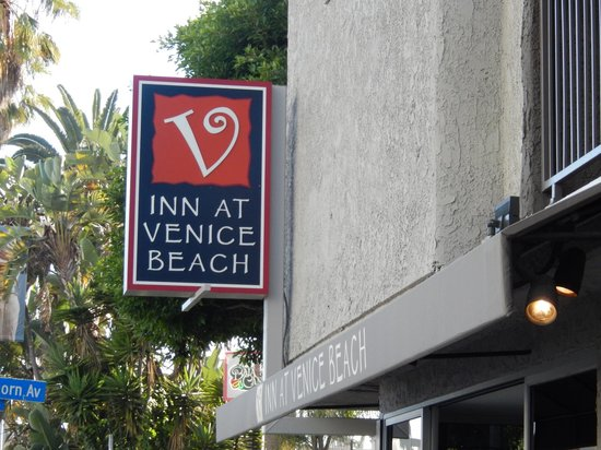 Inn at Venice Beach : Front of the hotel