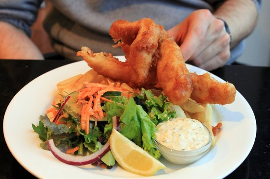 Slip Inn Cafe : Fish and chips