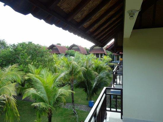 Ayu Guna Inn : balcony view