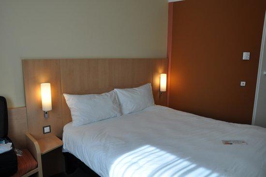 Ibis Lugano Paradiso: Hotel room