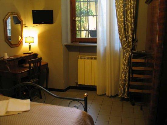 La Colonna: room 5