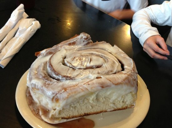 3 Lb Cinnamon Roll Picture Of Lulu S Bakery And Cafe