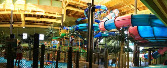 Maui Sands Resort & Indoor Waterpark: Indoor Water Park Excitement