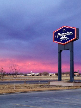 Hampton Inn Pecos: ENTERANCE
