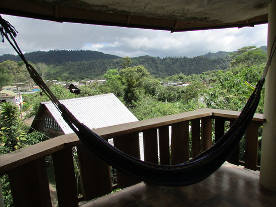 El Quetzal de Mindo: Hammock and view from the balcony
