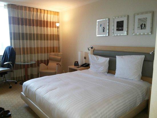 Hilton Düsseldorf: Room interior