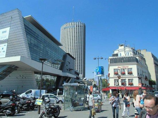 Hyatt Regency Paris Étoile: Blick auf das Hotel Hyatt