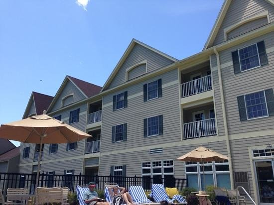 Wyndham at Bentley Brook: outside view of the main building.