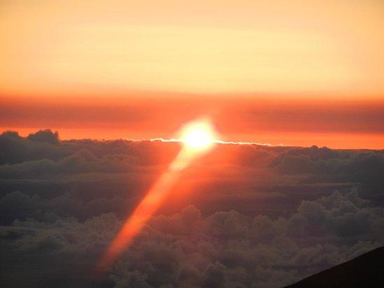 Paia, Hawái: Sunrise at Haleakala
