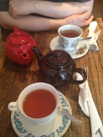 The Olde Young Tea House: tea for two!