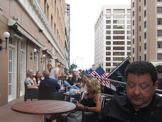 InterContinental Stephen F. Austin: Balcony Patio 7th St.