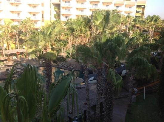 Villa del Palmar Beach Resort & Spa Los Cabos: View of the pool area from our balcony.