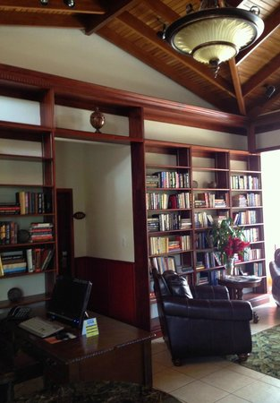 Ringle Resort Hotel & Spa: Lovely Library