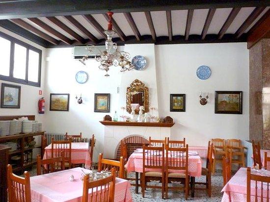 Hotel El Guia: dining room