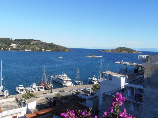 Babis Hotel: View from roof top terrace