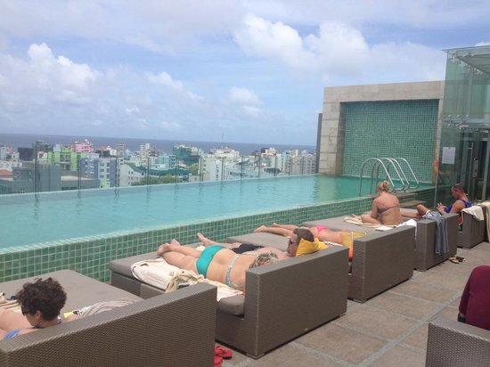 Hotel Jen Male: Rooftop pool